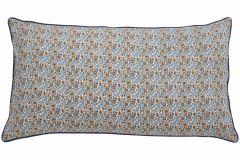 Nordal COSMO kussenhoes blauwe bloemen en oranje / bruine achterkant | 50 x 80 cm