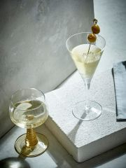 HKliving swirl wine glass green