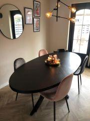 MD Interior Ceder eettafel ovaal visgraat 180 x 90 met spin-poot zwart