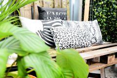 KMCT Collection outdoor sierkussen SNAKE WHITE 60 x 40 cm